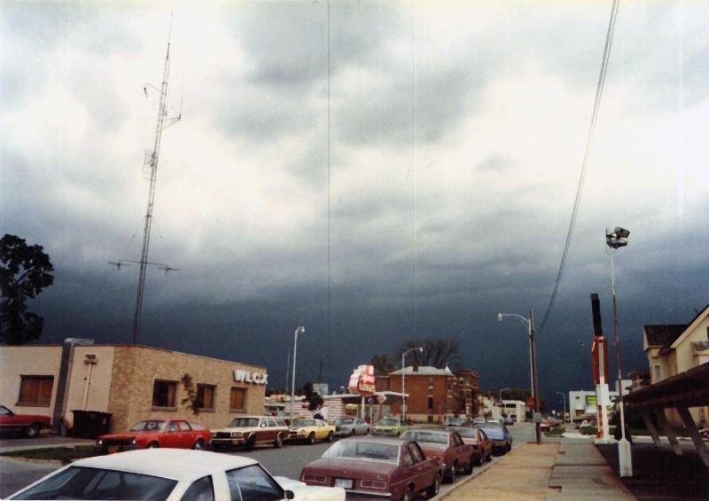 wlcx-building-1980_0